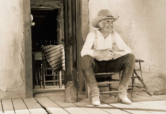 lonesome-dove-gus-on-porch-signed-print-peter-nowell