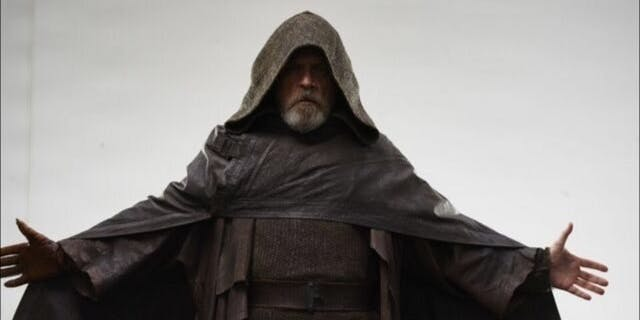 Star-Wars-The-Last-Jedi-Mark-Hammil-as-Luke-Skywalker-in-Brown-Robes-and-Hood-cropped